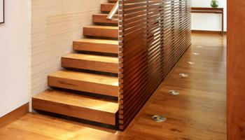 restauration d 39 escalier les planchers roger gosselin. Black Bedroom Furniture Sets. Home Design Ideas